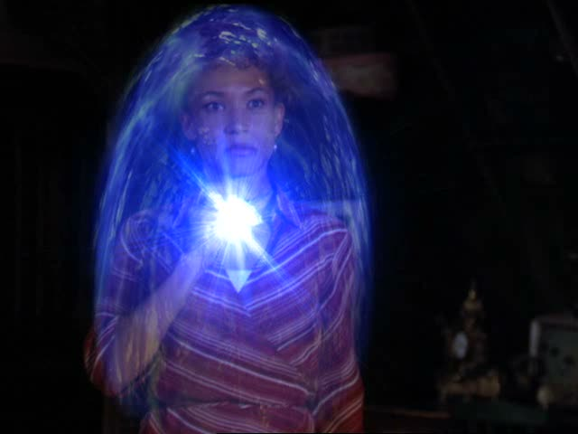 File:Janna using the amulet.jpg