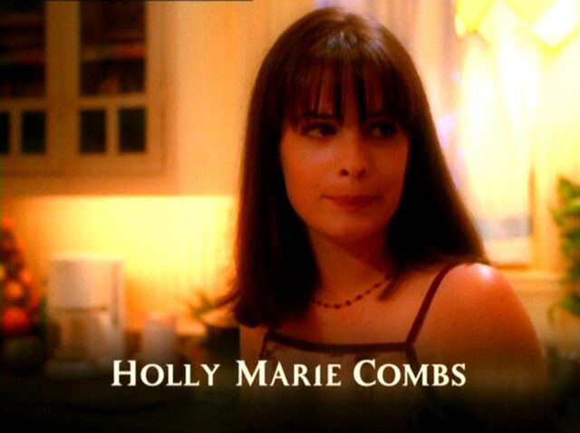 Фајл:HollyMarieCombs201.jpg
