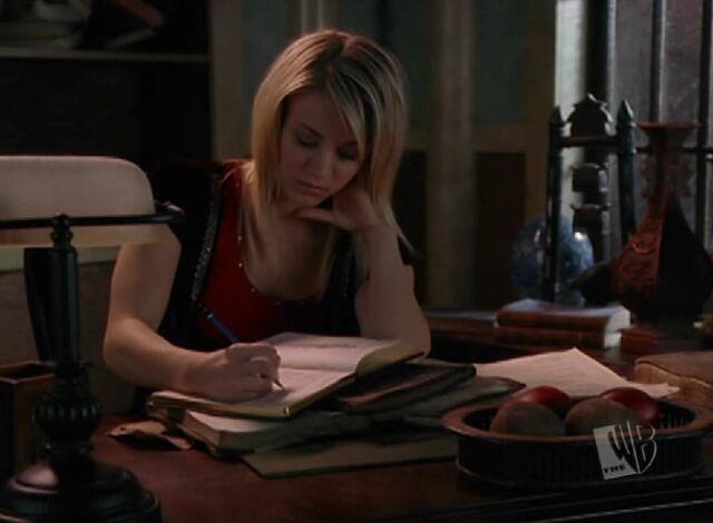 File:Billie Writes Book.jpg