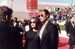 800px-Lauren Holly at the 1991 Emmy Awards