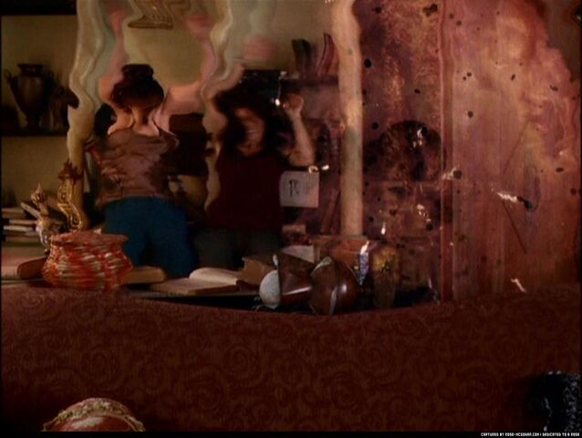 File:Charmed-Caps816 297.jpg