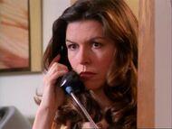 1x17-PattyPhone