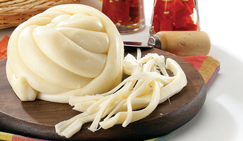 File:Bola-de-queso-oaxaca.jpg
