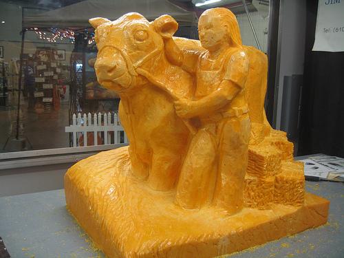 File:Toptensculpt-cow.jpg