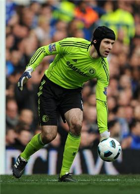 File:Chelsea-goalkeeper-Petr-Cech-eyeing-Manchester-United-scalp-in-the-UEFA-Champions-League-61185.jpeg
