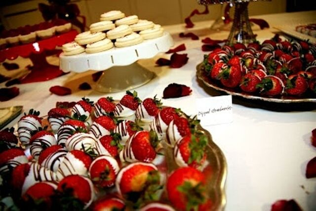 File:Delicious desserts .jpg