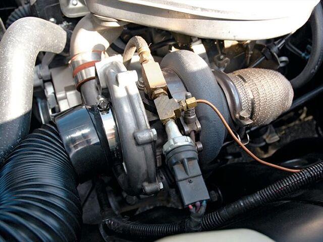 File:Sucp 0703 07 z+1972 chevy vega+schwitzer turbo.jpg