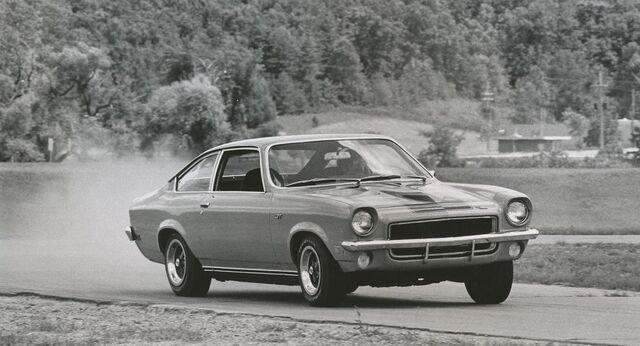 File:1972 Vega GT - C&D 1972.jpg