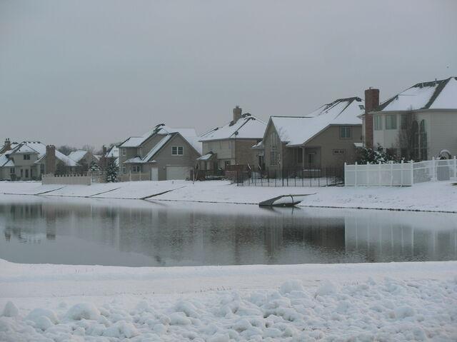 File:Munster - White Oak Estates.JPG