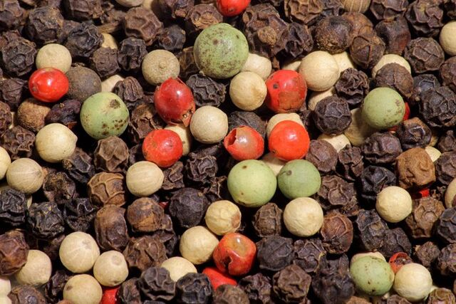 File:800px-4 color mix of peppercorns.jpg