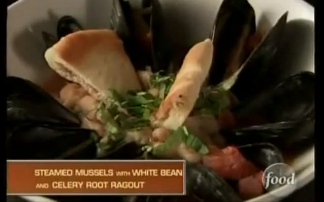 File:Melissa's Steam Mussels and Beany Ragout.png