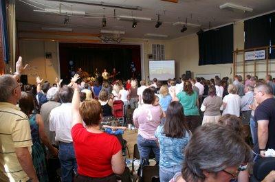 File:Vineyard church.jpg