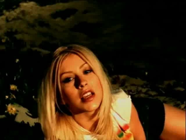 File:Christina-Aguilera-Genie-in-a-Bottle-christina-aguilera-boyu 37 37156.jpg