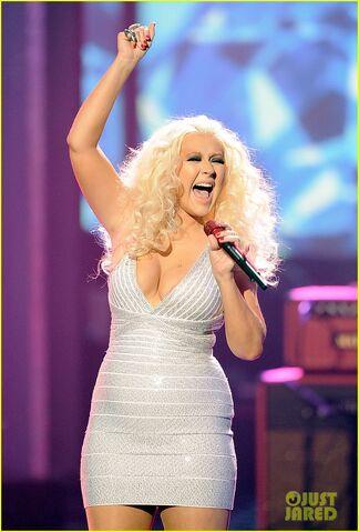 File:Christina-aguilera-amas-2011-02.jpg