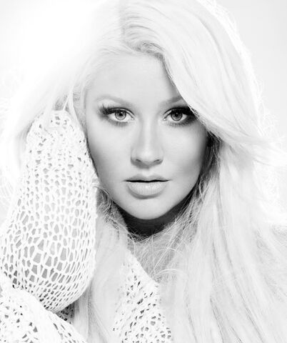 File:CHRISTINA-AGUILERA-YOUR-BODY-THE-ROOTS-LATE-NIGHT-WITH-JIMMY-FALLON.jpg