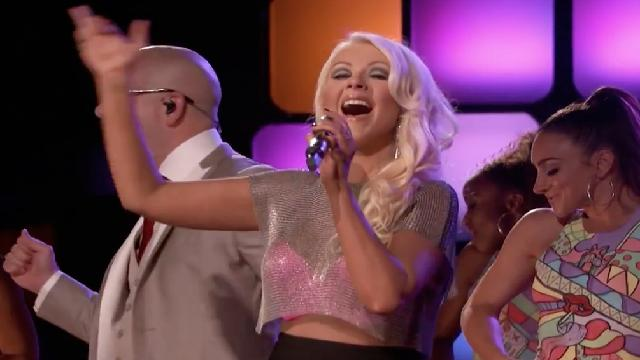 File:Christina-aguilera-and-pitbull-feel-this-moment-the-voice.jpg