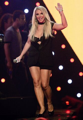 File:Iheartradio-music-festival-2013-day-2.jpg