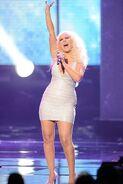 Christina-aguilera-fat-american-music-award-2-e1321884810763