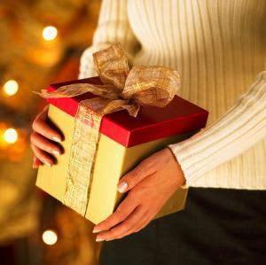 File:Gift giving.jpg