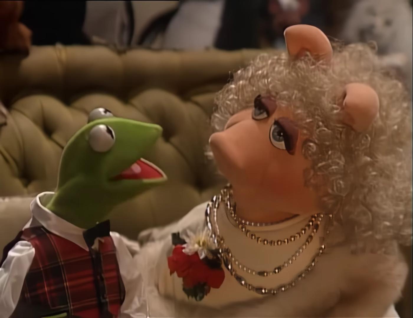 File:HaveYourselfAMerryLitteChristmas in MuppetFamilyChristmas.jpg