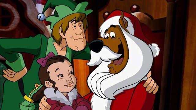 File:Scooby as Santa again.jpg