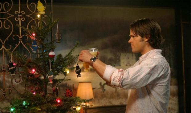 File:A Very Supernatural Christmas.jpg