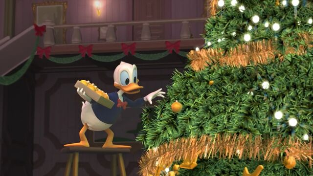 File:Donald decorating Scrooge's tree.jpg