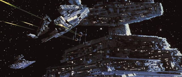 Archivo:The empire strikes back millenium falcon chased.jpg
