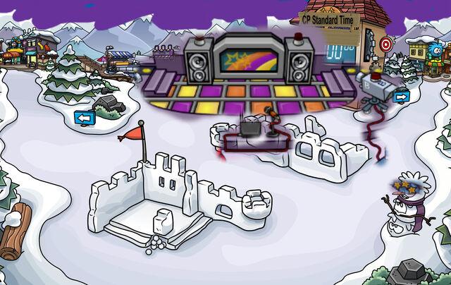 File:Snow Forts PJ2015 1.jpg