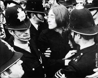 File:Arresting Lennon.jpg