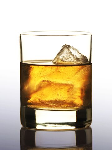 File:Whiskey-anis-water.jpg