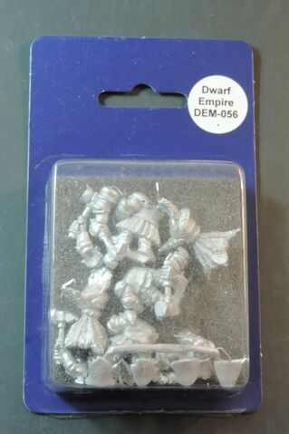 File:DEM056 Dwarf Imperial Knights on foot with hammers & shields II blister.jpg