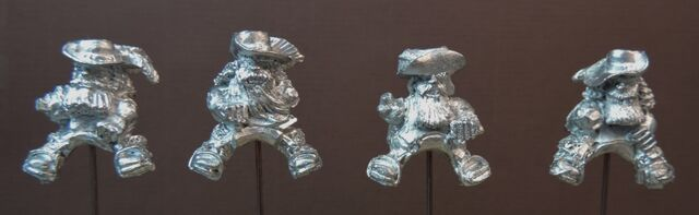 File:IM MDM4 Mounted Dwarf Musketeers Hats and bare heads - front.jpg