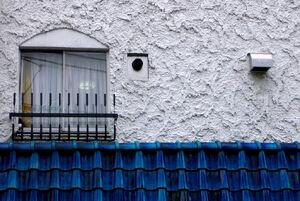 Blue+Shingles+and+Stucco-7212