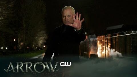 DC COMICS: Arrow (s4 ep20 Genesis)