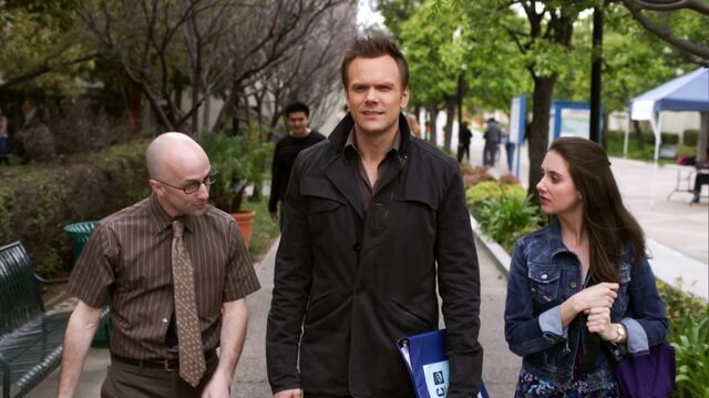 File:1x25 The Dean tells Jeff and Annie about the Transfer dance.jpg