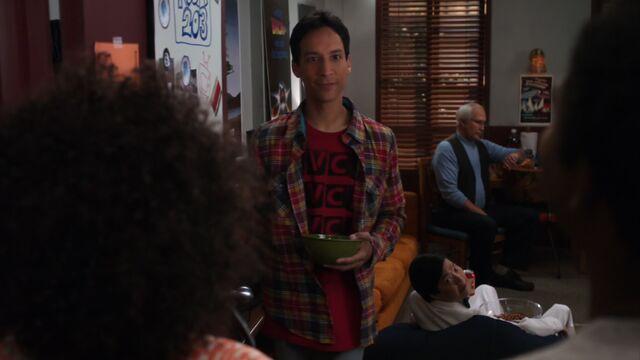 File:1x17 Abed 2.jpg