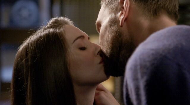 File:6x13 Jeff and Annie kiss.jpg