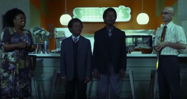 File:S05E03-Shirley Sandwich re-opening.jpg