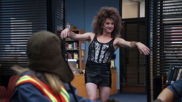 File:2X22 Dean as Tina Turner.jpg