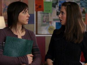 2x15-Claire Annie not lesbians