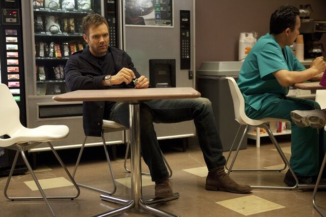 File:2x16 Promotional photo 16.jpg