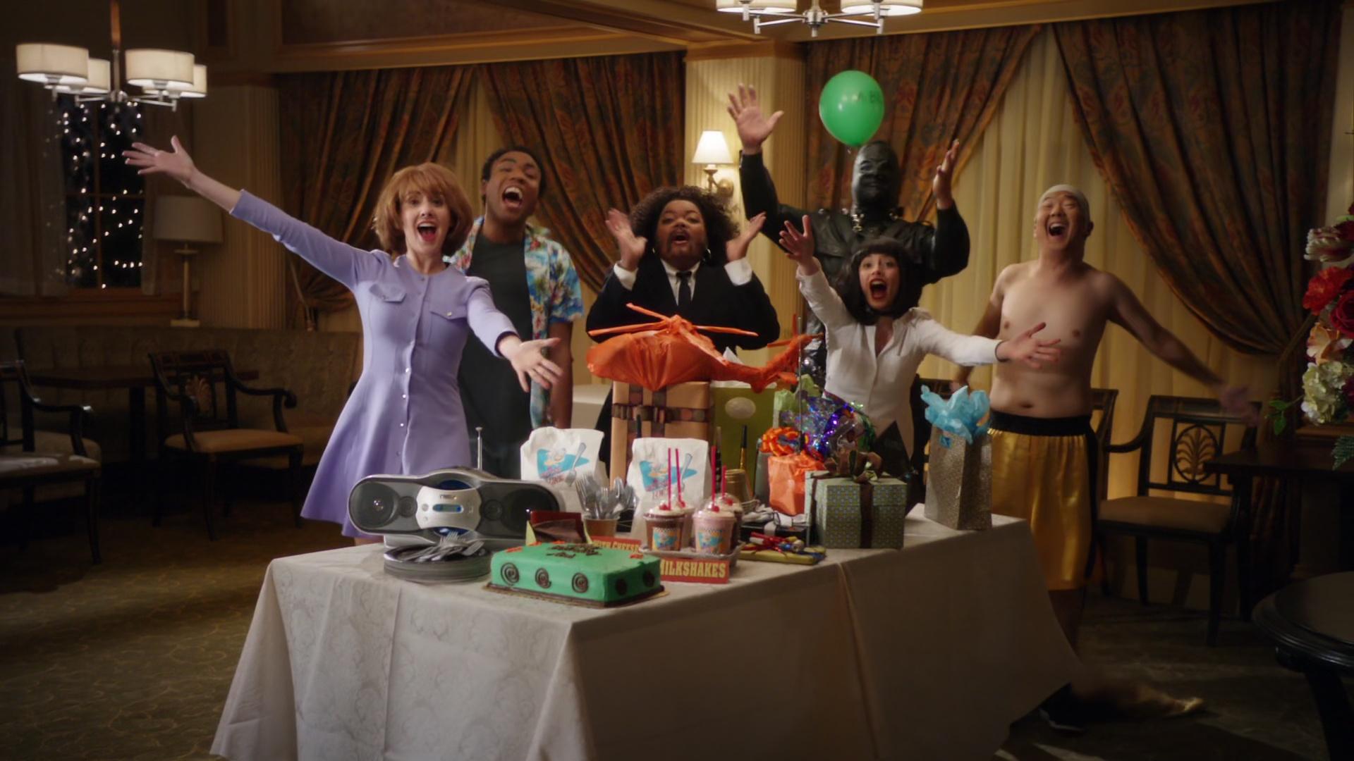 File:2x19-Surprise party 2.jpg