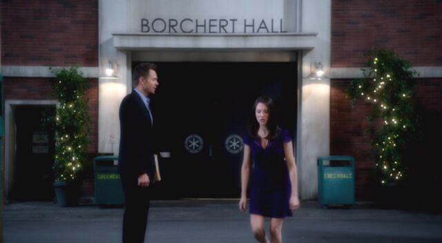 File:S03E16-Annie Jeff Borchert Hall.jpg