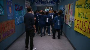1x06-Jeff Troy pep rally