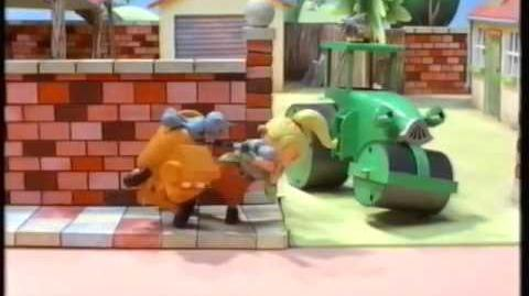 Opening to Bob the Builder Scarecrow Dizzy UK VHS (2001) (Woolwoths Version)