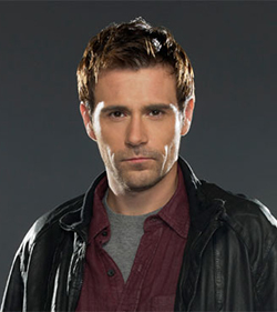 File:Constantine-Wikia Matt-Ryan Series 001.jpg
