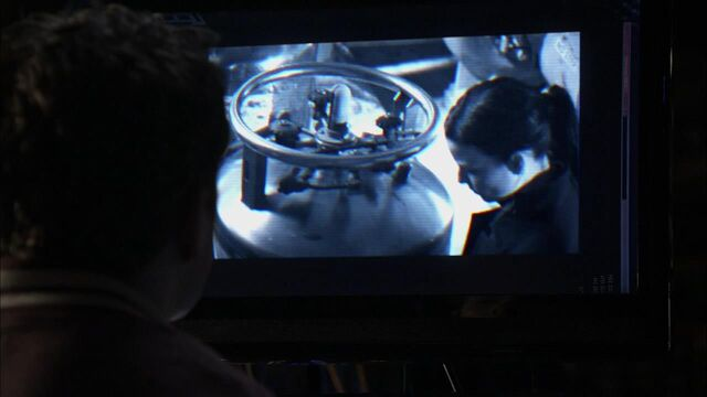 File:1x02 surveillance.jpg