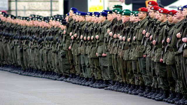 Фајл:Vojska.jpg