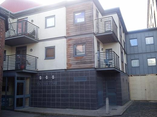 File:Victoria court flats.jpg